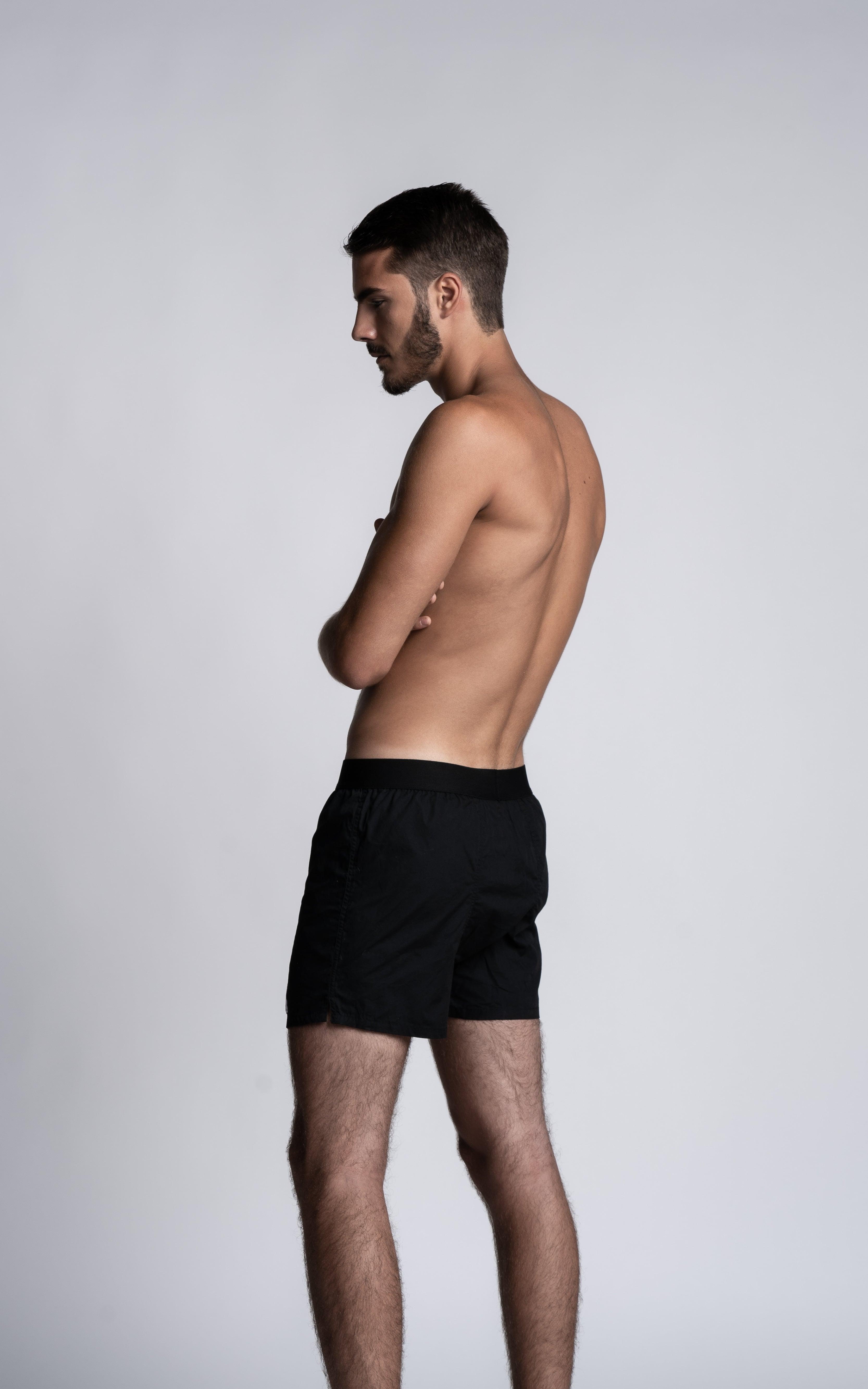 Homme mannequin portant un Caleçon Lyoffans noir de la marque S BORDEAUX