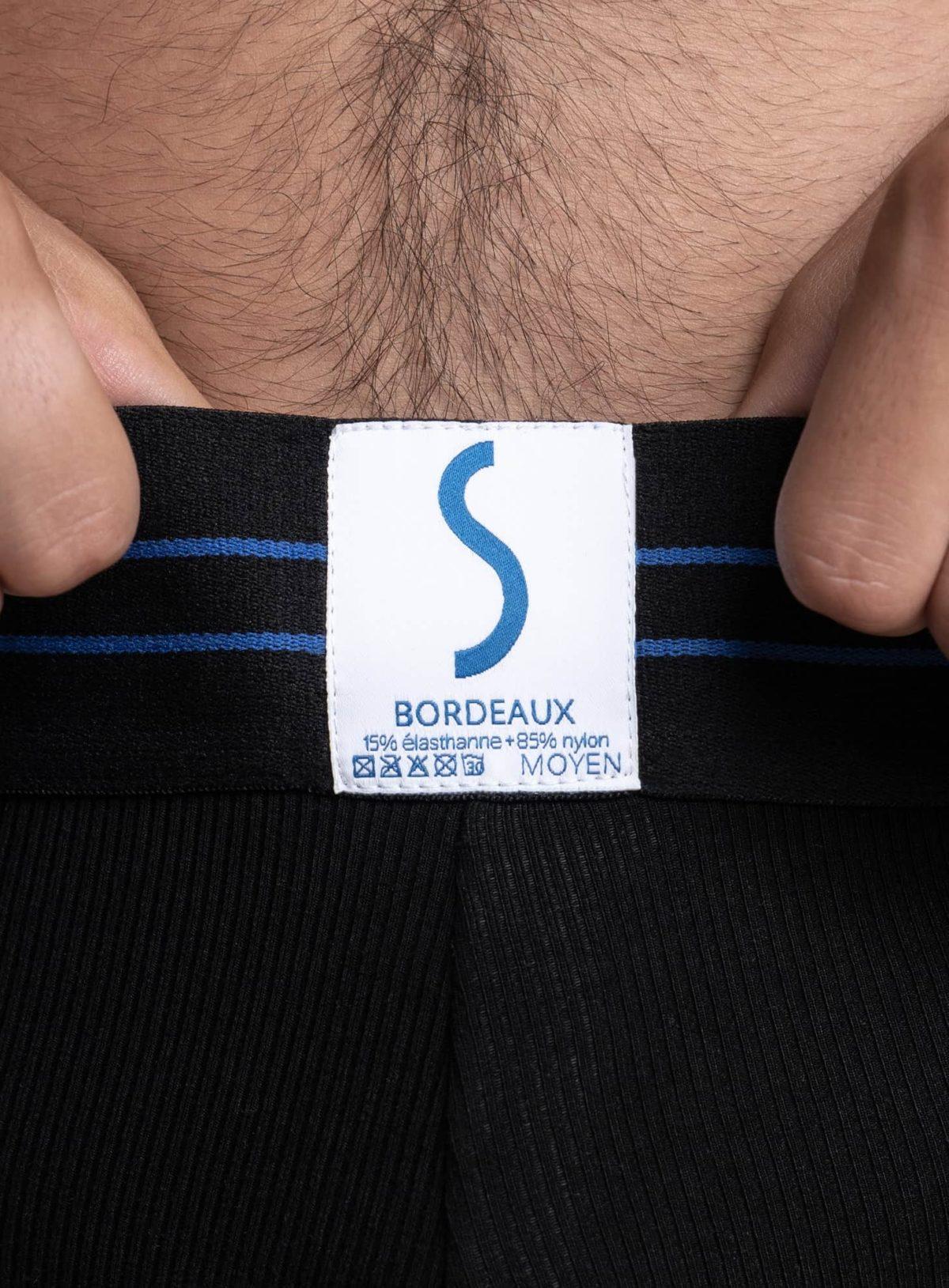 Zoom sur l'étiquette d'un slip sportif SportPro noir de la marque S BORDEAUX