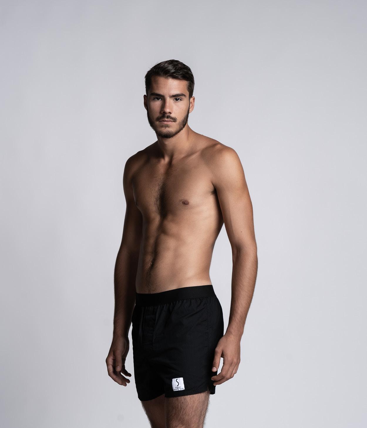 Mannequin homme portant un caleçon Lyoffans noir de la marque S BORDEAUX