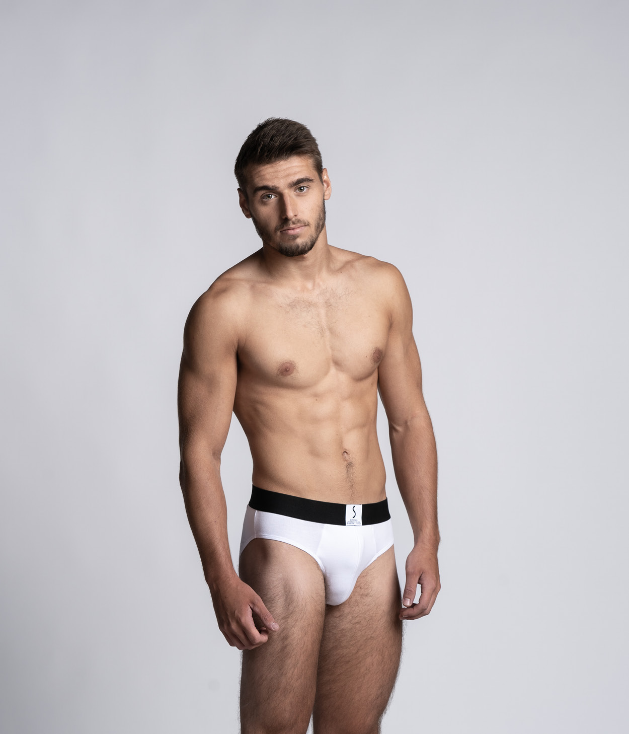 Mannequin homme portant un slip Athesans blanc de la marque S BORDEAUX