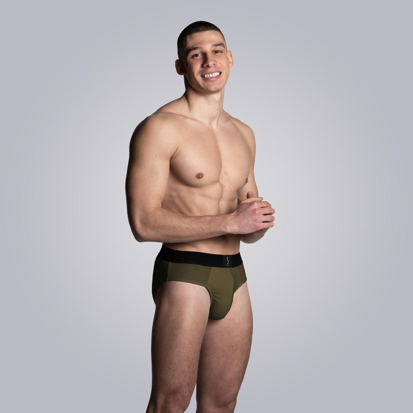 mannequin homme portant un Slip kaki pour homme Aumale de la marque S BORDEAUX